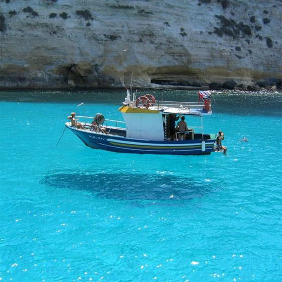 как буд-то яхта зависла в воздухе