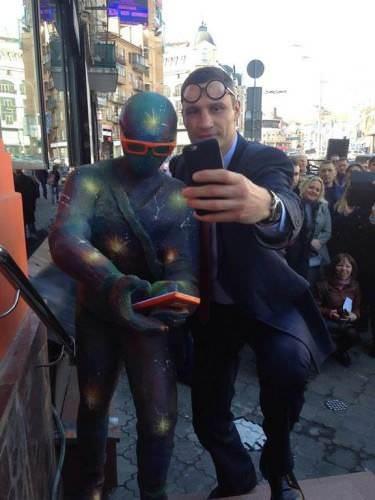 Кличко открыл скульптуру Geek в Киеве