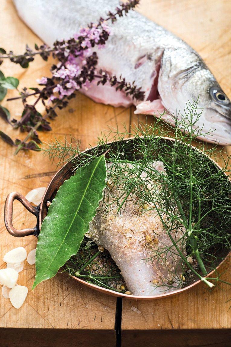 блюдо из рыбы лаврак