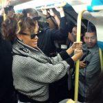 Рианна спустилась в лондонское метро