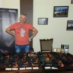 Житель Донецка собрал коллекцию курительных трубок