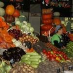 Супермаркеты проигрывают рынкам