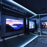 Samsung Electronics представляет первые в мире дугообразные UHD-телевизоры