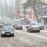 Чем нужно вооружиться для борьбы со снежной стихией?