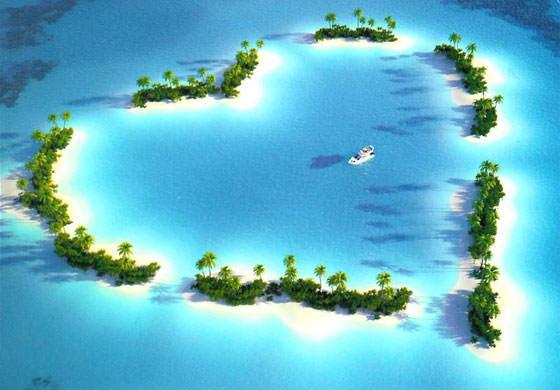 остров в виде сердечка