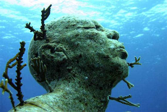 скульптура под водой в Мексике