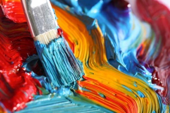 кисточка с красками