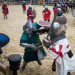 В Древнем Киеве прошли средневековые бои