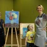 Звезды украинского шоу-биза рисовали на аукционе, чтобы помочь детям
