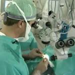 Люди научились восстанавливать поврежденную сетчатку глаза